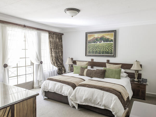 Luxury Room with 3/4 Beds