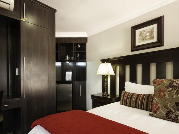 Room 6 - Executive Suite