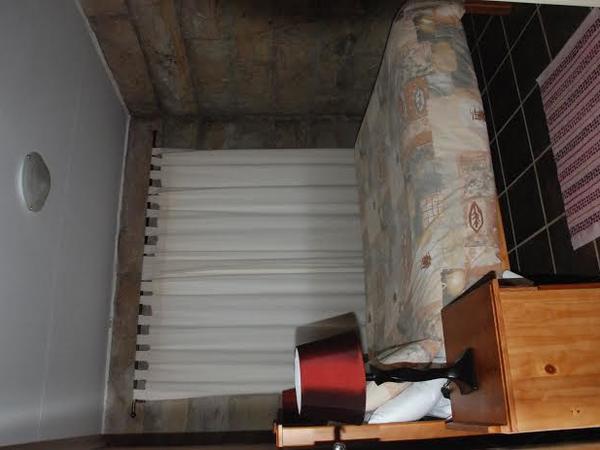 Sandstone 2 bedroom-sleeps max 4