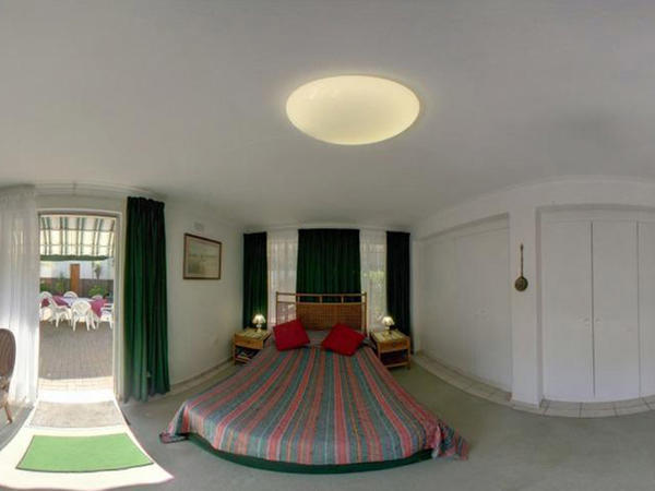 1 Anura-Standard Double en-suite shower