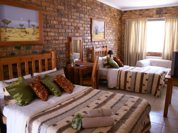 Deluxe Rooms (Single / Double Room)