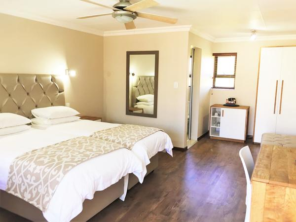 Courtyard Room - Twin Bed