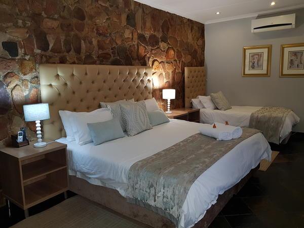 Room 10 Double Bedroom/Bath & Shower A/c