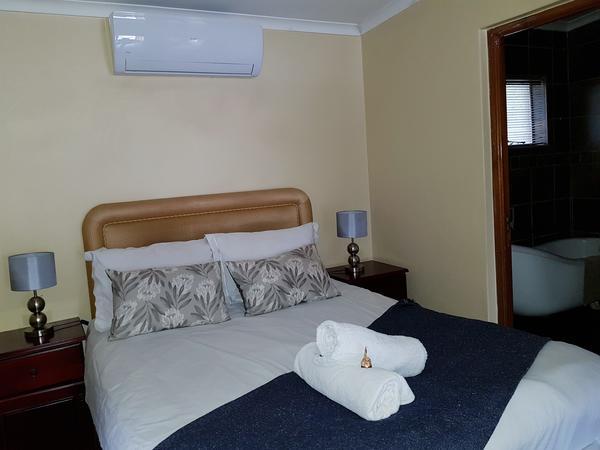 Room 2 Double Bedroom/Bath A/c