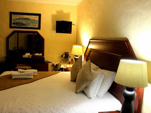 Room 8 Double Bedroom/Shower A/c