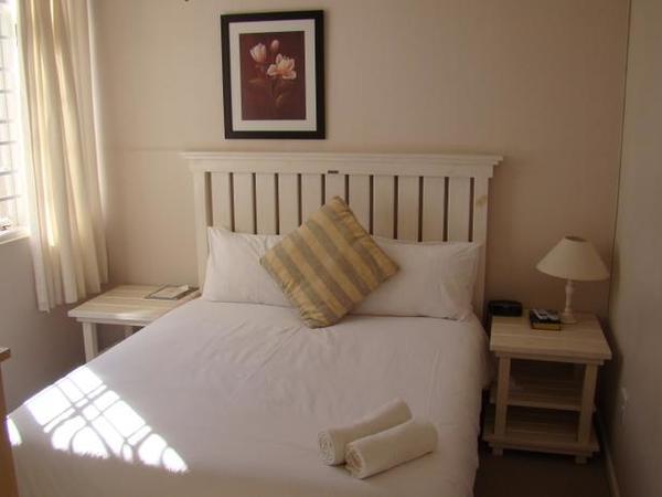 Room 9 - Standard - Queen Bed