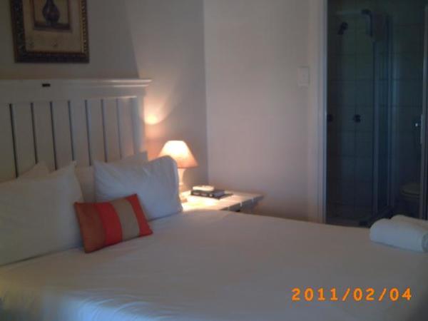 Room 2 - Standard - Kitchenette