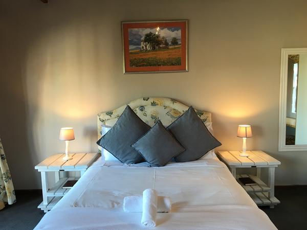 The Luxury Room 1