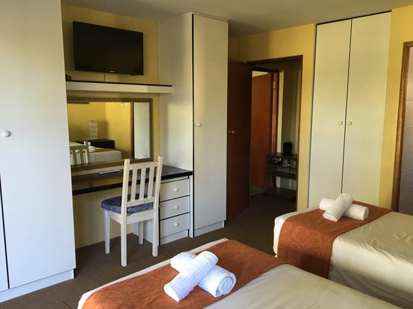 The Luxury Room 7