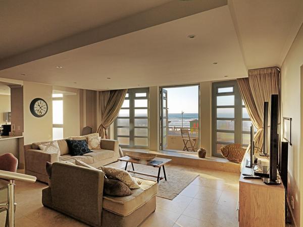 3 Bedroom Seafacing Apartments