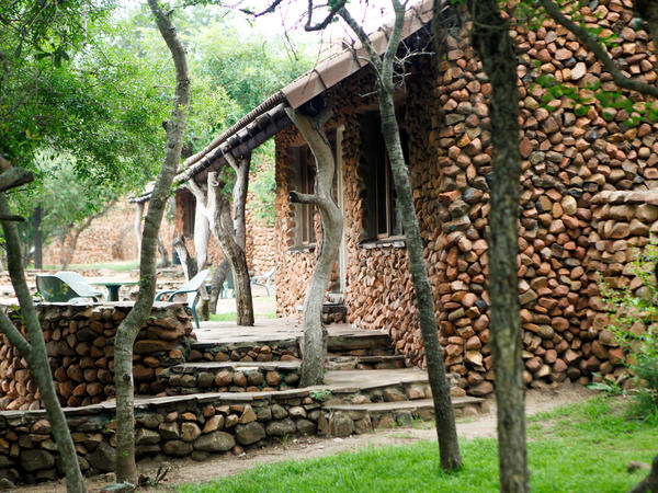 Self-catering Family cottage (Bhubesi)