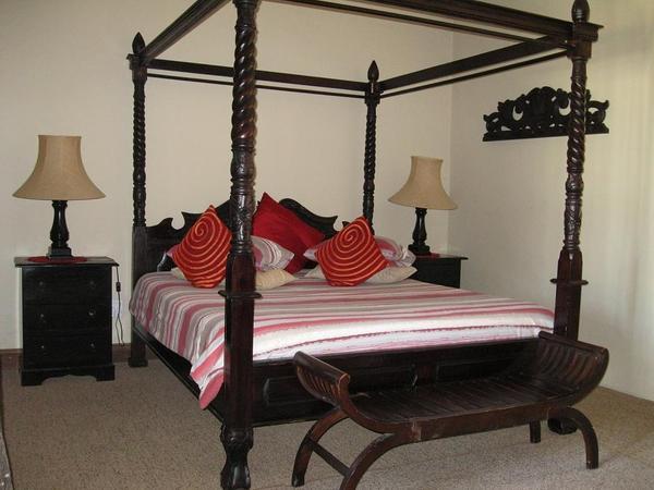 King Bedroom - Sleeps 3