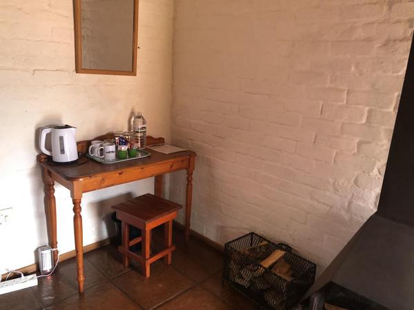R03_1 Dble, 1 Single Beds Bath Fireplace