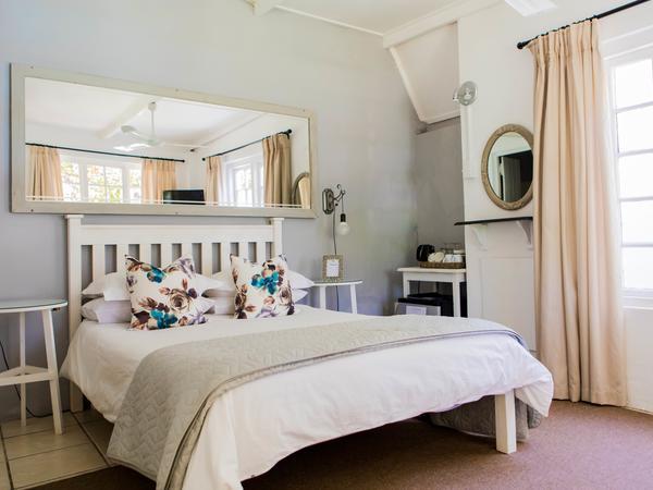 Room 4: Standard Queen Room