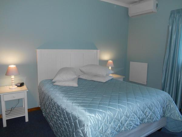Self-catering units - Queen Bed
