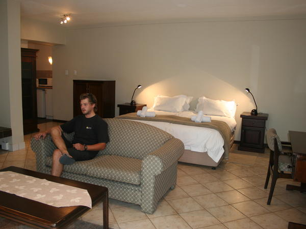 DBL Room - King Size