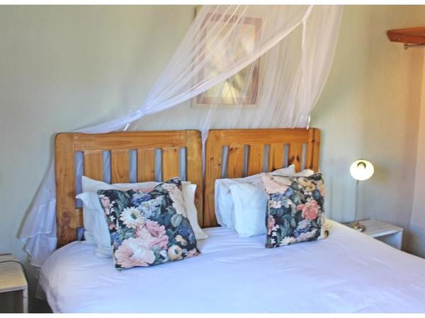 Standard Room No 9 : Kitchenette