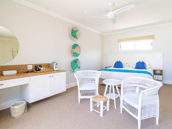 Deluxe Family Suite with Pool & Sea View
