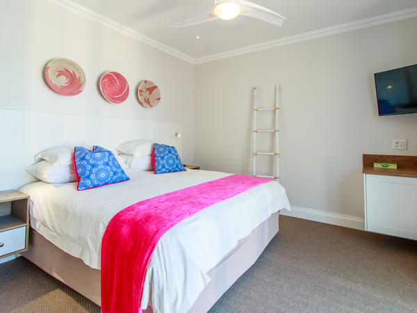 Deluxe Room with Pool and Sea View