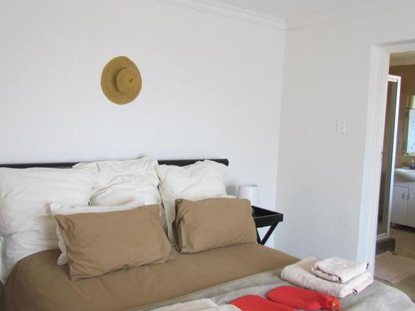 2 Sleeper apartment - bath and shower