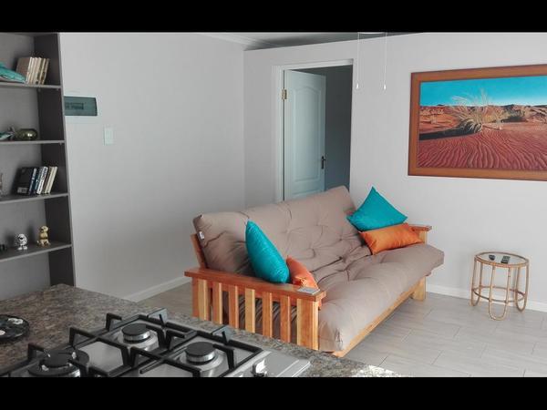 Clivia 1 b/room Flat