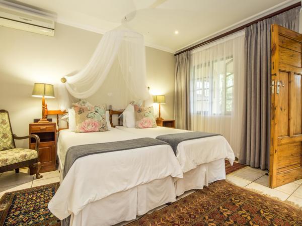 Luxury Room (2)