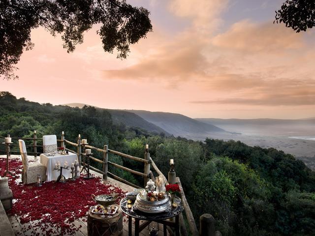Honeymoon Rose Petal Dinner (Additional Cost)