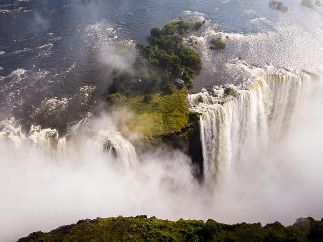 Tour of Victoria Falls in Zimbabwe