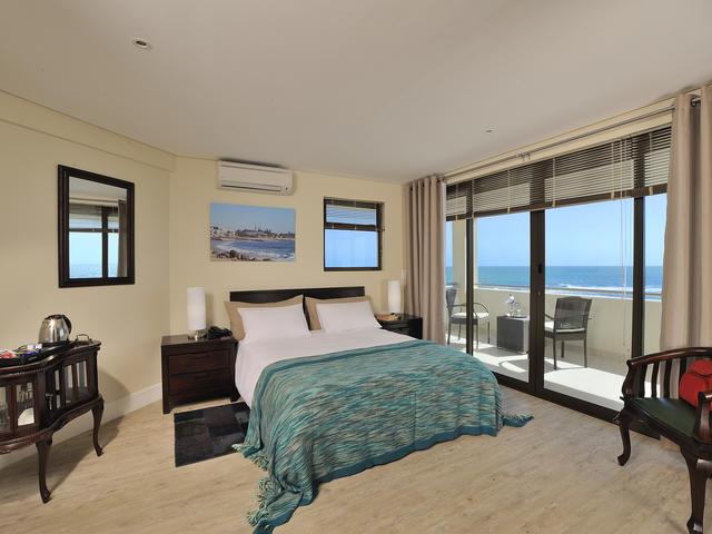 Comfort Room Twin