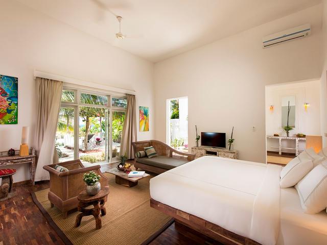 Beachfront Prestige Villa
