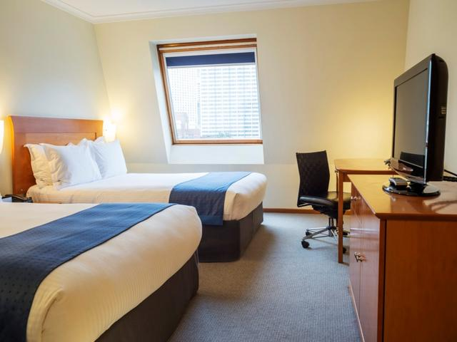 Twin bed, standard room