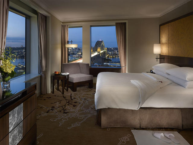Executive Grand Harbour View Suite