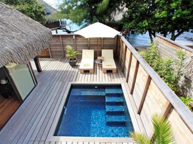 Twin Deluxe Garden Pool Bungalow
