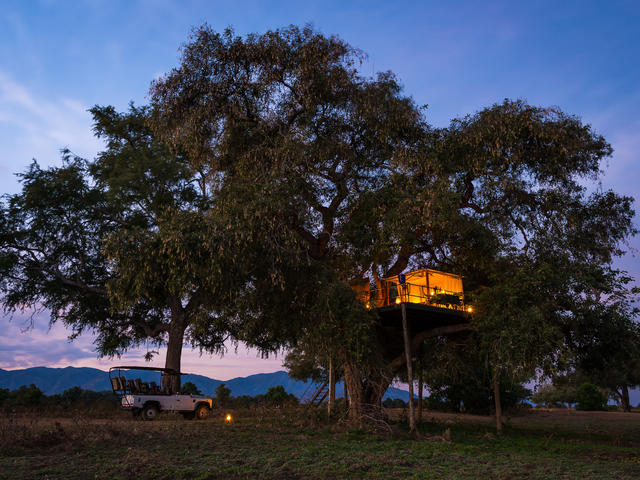 Ruckomechi Camp - Star Bed