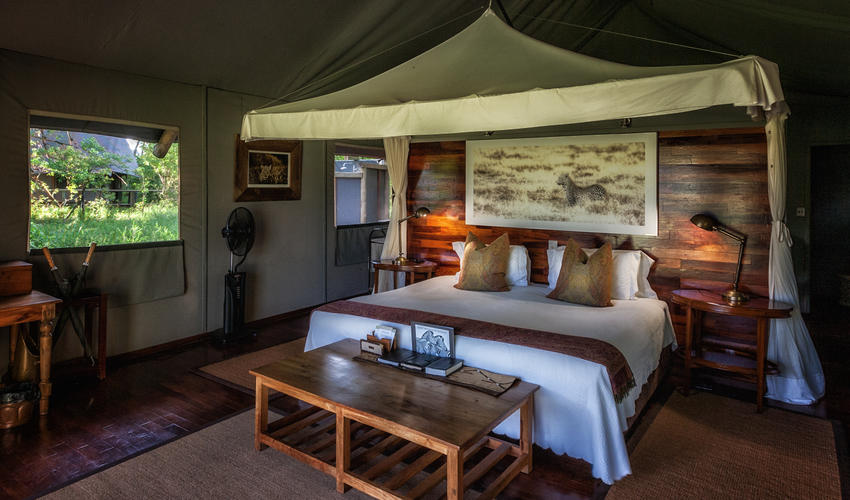 Guest tent with double bed