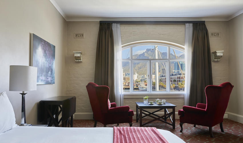 Victoria & Alfred Hotel | Mountain Facing Room