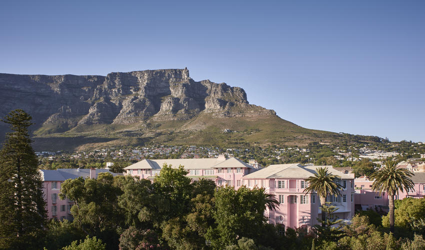 With the iconic Table Mountain as backdrop