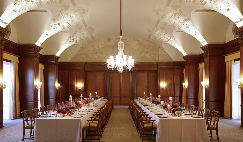 Recently refurbished at magnificently setup for a lavish dinner