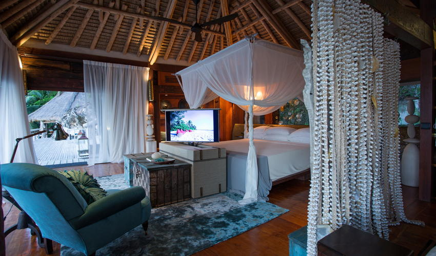 Villa North Island bedroom combines