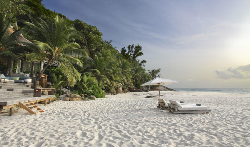 Villa North Island Provides direct beach access to a secluded corner of East Beach