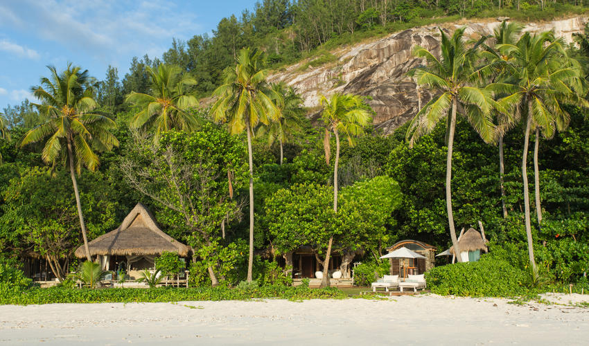 Each Presidential Villa provides easy access to East Beach and nestles in the Island's coconut groves