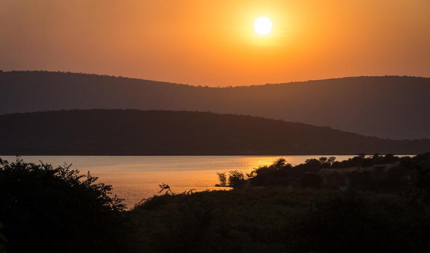 Sunset over Lake Rwanyakazinga