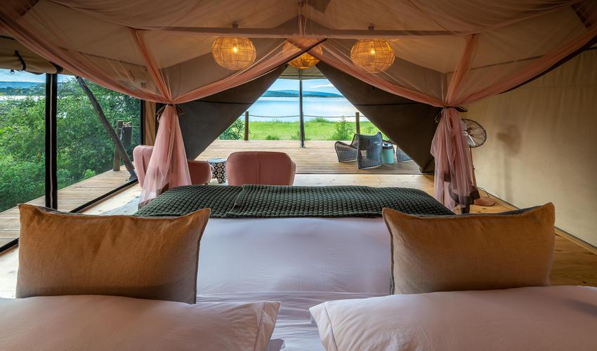 Guest room overlooking Lake Rwanyakazinga