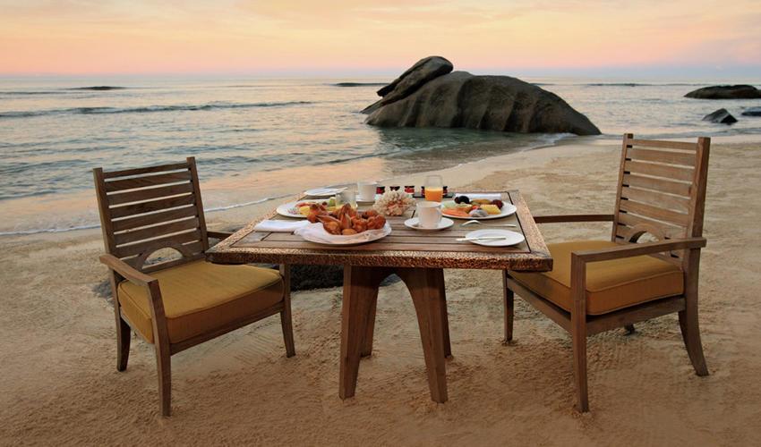 MAIA Romantic Sunset Dining