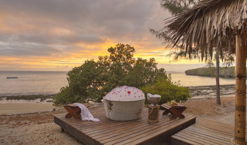Baobab Bath setup at villa deck