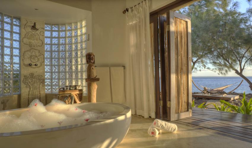Villa Quilalea Bath with View