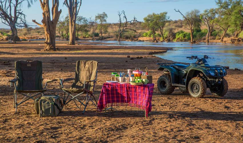 Bush breakfast by the river