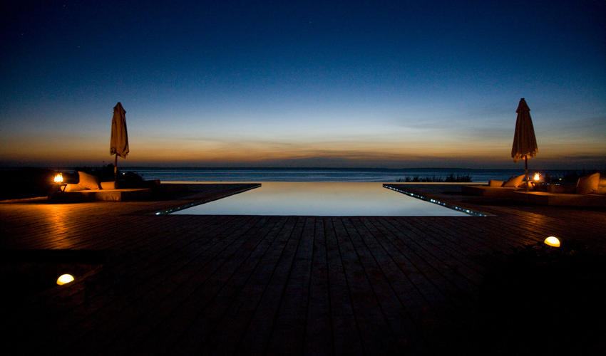 The picturesque infinity pool