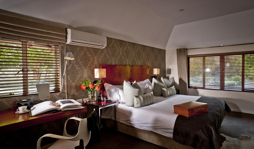 Our 2 Heritage Rooms are located upstairs within the original residence.