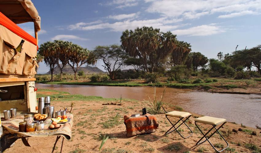 Game drives and bush meals by the river